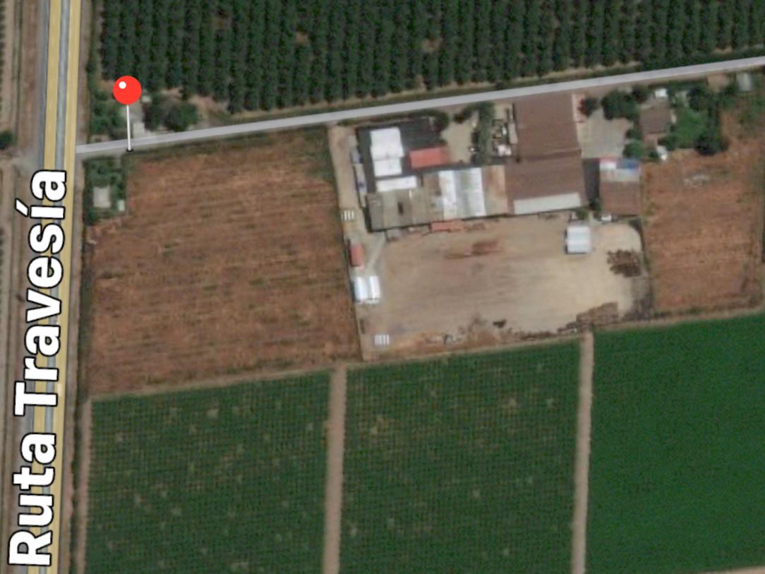 Terrenos agrícolas o industriales a orilla de carretera